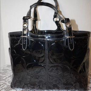 Coach black patent embossed tote f15246